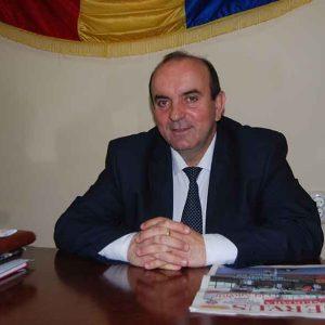 """Primarul din Totești """"strânge cureaua"""" pentru a putea finaliza proiectele demarate"""