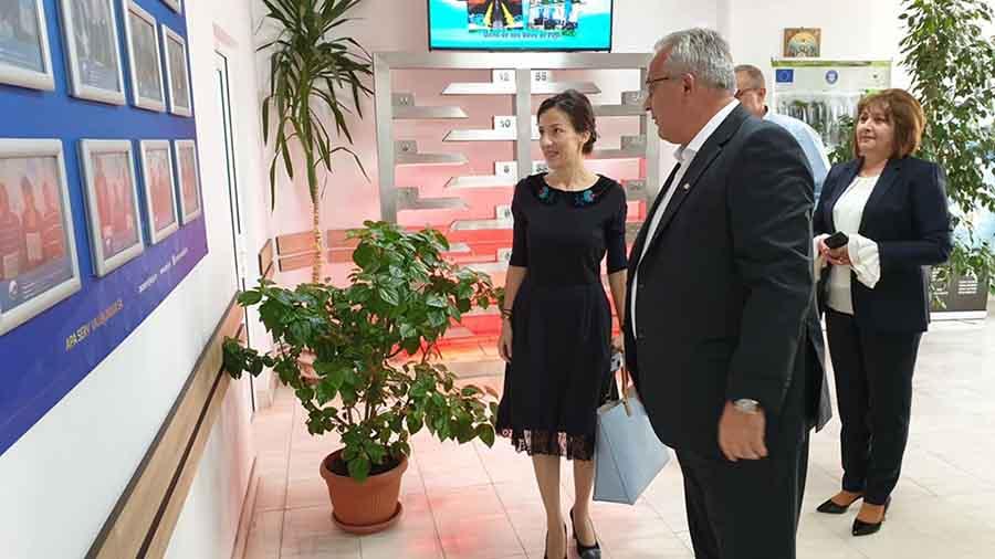 Ministrul Sănătăţii, în vizită la spitale, cel al Fondurilor Europene, în Valea Jiului