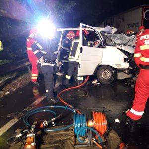 Accident mortal în Băcia. Două persoane au decedat și alte două au fost grav rănite