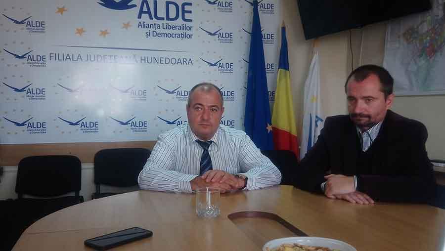 """Deputatul hunedorean Marius Surgent (ALDE): """"Susținem moțiunea de cenzură"""""""
