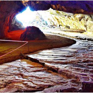 Peștera Bolii, într-un decor spectaculos de iarnă, surprinsă în câteva imagini